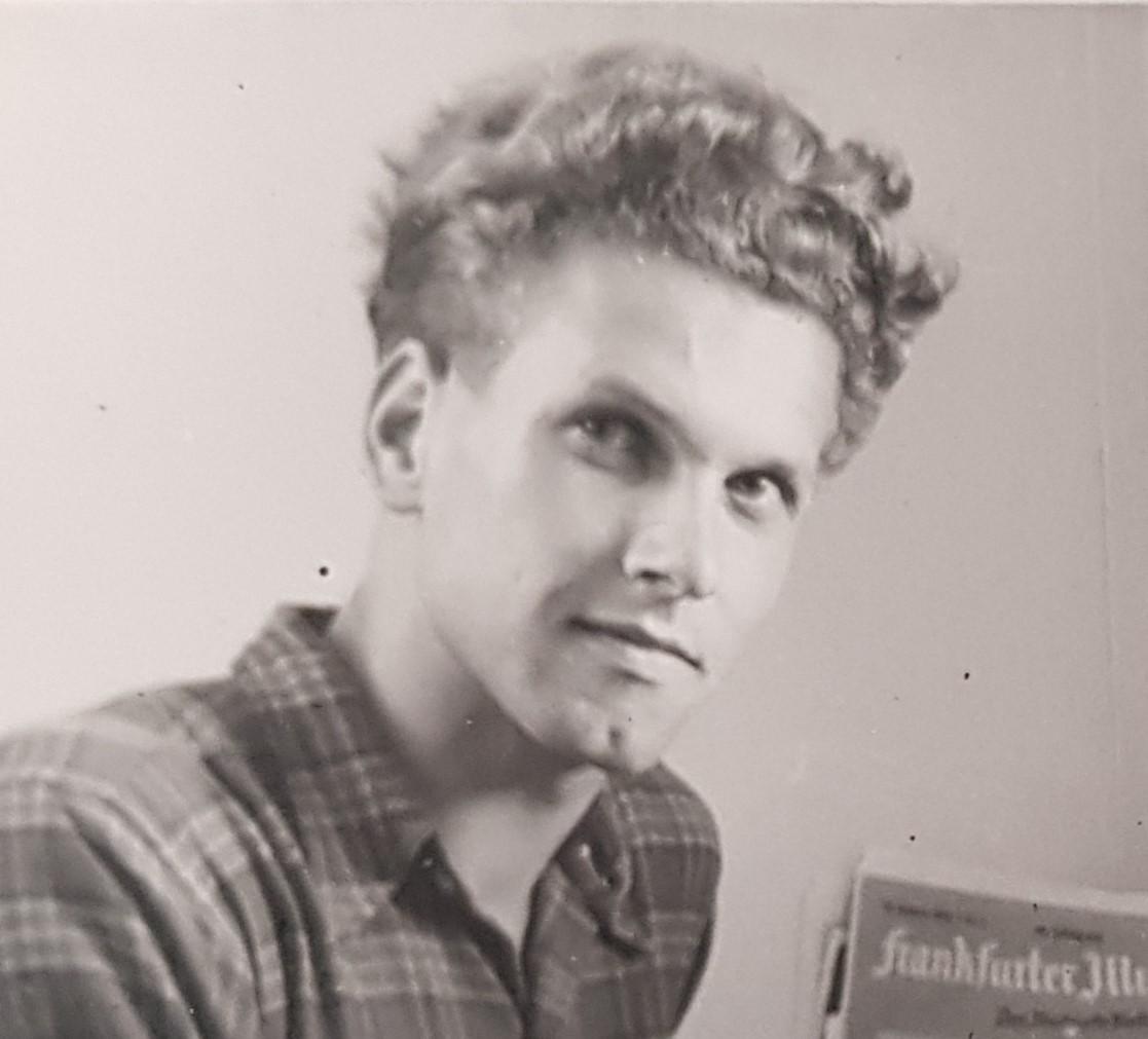 Klaus Scharrer head shot